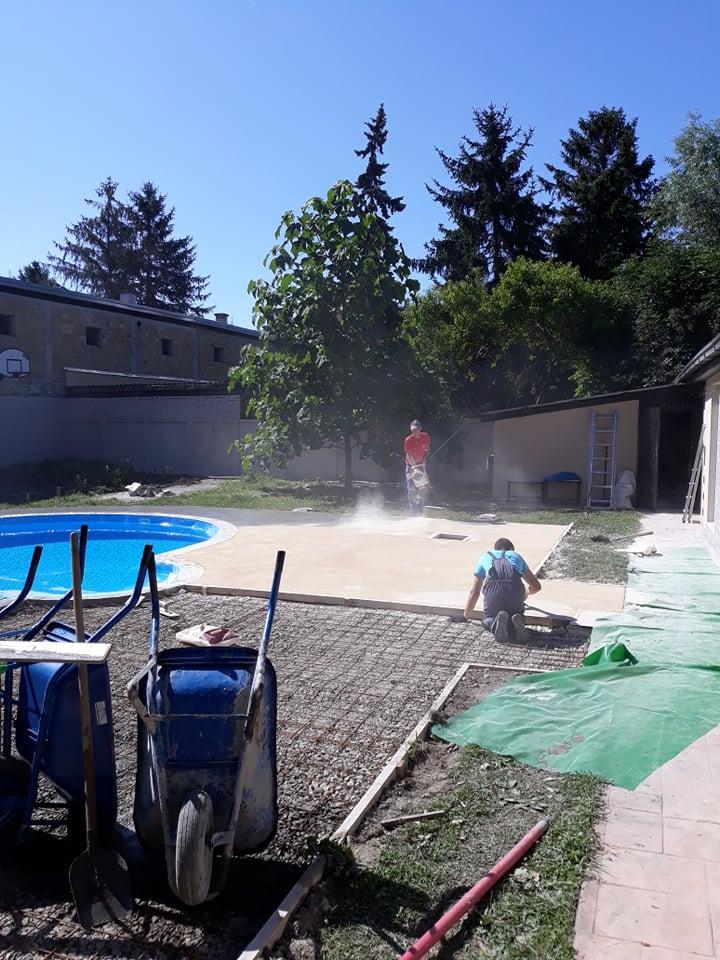 MV štampani beton - prva faza izrade štampanog betona oko bazena je pri kraju